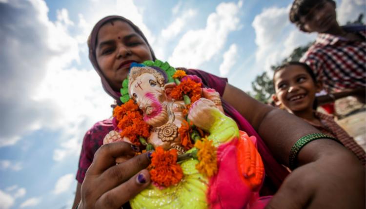 象头神迦尼萨是印度教三大神(创造之神—梵天, 保护之神—毗湿奴