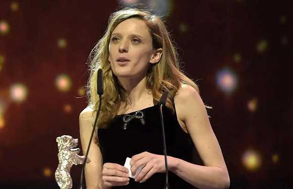 第66届柏林国际电影节银熊奖最佳导演米娅·汉森-洛夫