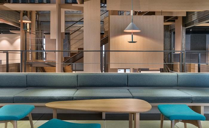 【别人家的办公室】国际知名广告公司上海办公室重修,用原木板隔离装饰空间
