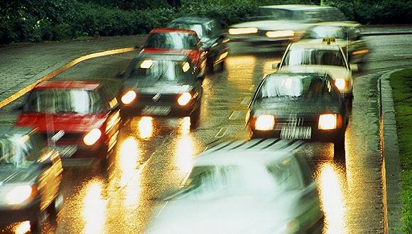 奔馳「失控」迷云:智能駕駛背後的反思