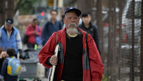 据香港东网报道,没有律师代表的古思尧叫嚣,
