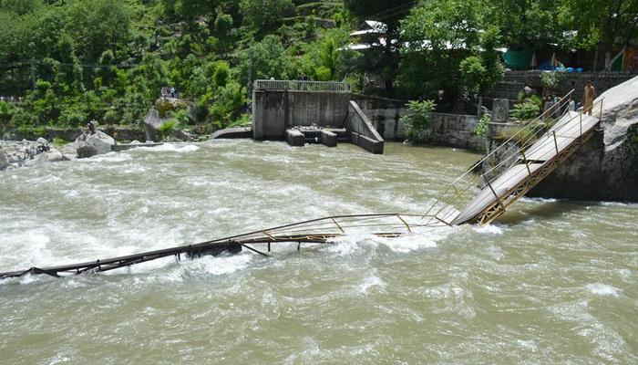 人數超標七倍巴基斯坦一景區遊覽橋垮塌 5人遇難12人失蹤