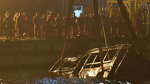 【評論】重慶公交墜江事件背后,是公共安全意識的缺失