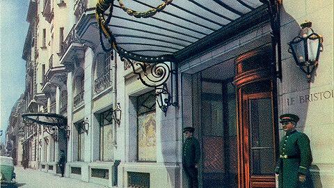 少宿派 | 在这个传奇的宫廷酒店里,藏着现代法国的优雅与自持