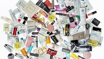 你手上免费美妆小样的背后,是一个价值12亿美元的庞大市场