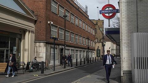 英国情报机构隐匿66年的伦敦办公室曝光:?#24615;?#26143;巴克和酒吧之间