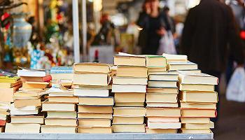 【世界读书日】要读书还是要抽烟:读书并非什么昂贵的爱好