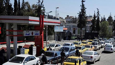 """多地闹""""油荒""""民众叫苦不迭,叙利亚政府面临西方""""经济战争"""""""