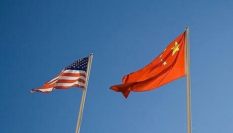 """""""贸易战不能解决问题,只能导致两败俱伤""""——访全国政协经济委?#34987;?#21103;主任刘世锦"""