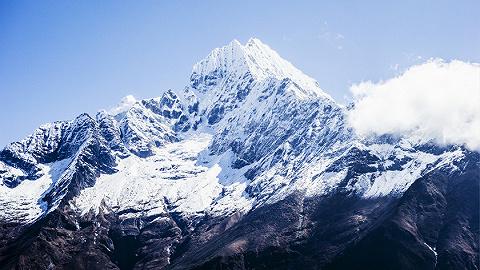 """珠峰8000米死亡地带现""""拥堵?#20445;?#26149;季登山季已致14人丧生"""
