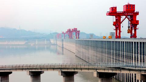 三峡集团副总经理范夏夏:三峡大坝固若金汤、岿然不动