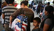 美国司法部分突击搜查七家农产品加工场,拘捕680名非法移民
