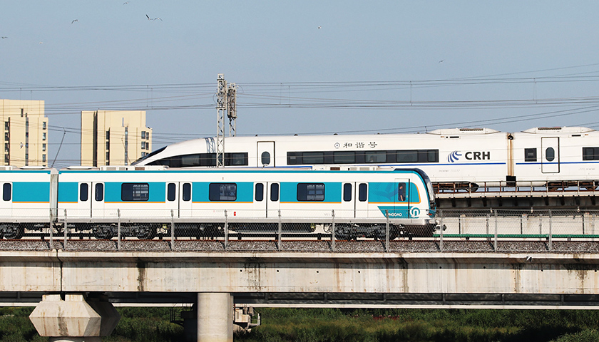 【界面晚报】国庆假期火车票多条热门线路售罄韩国人口9年后负增长|界面新闻·中国