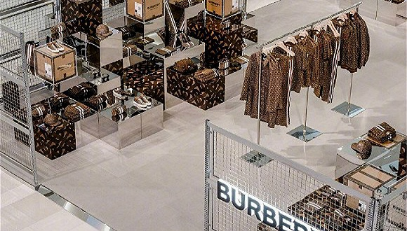 Burberry切入即时通讯电商市场,为高端客户提供在线对话服务 界面新闻·时尚