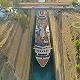 超大游輪破紀錄擠過希臘運河,最近時離岸只有3厘米