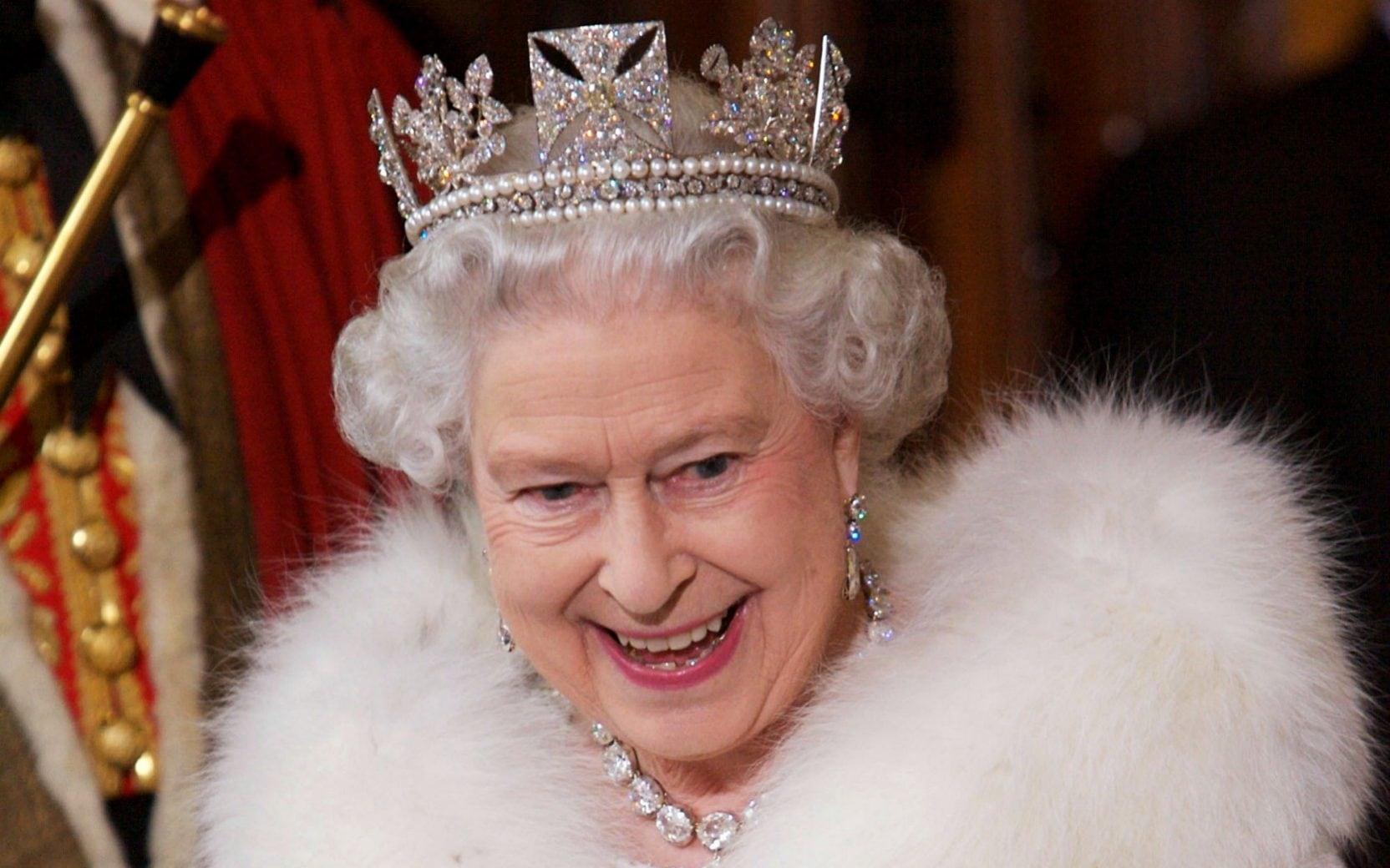 穿了67年皮草的英国女王,决定不