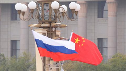 国家主席习近平会见统一俄罗斯党代表团