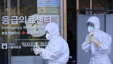"""韩国累计确诊893例、死亡8人,将检测逾20万""""新天地""""信众"""