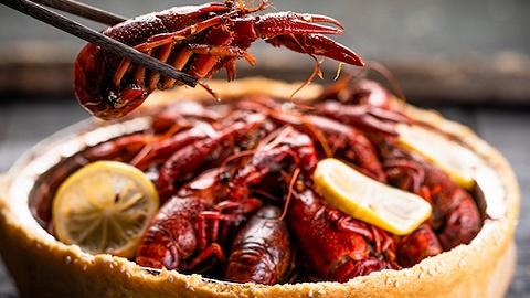 湖北小龙虾日销量超650吨,出省却不易