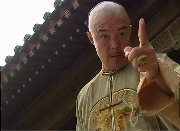 但提起这个中国最著名的皇帝,大家脑海中第一浮现的,恐怕的还是张铁林图片