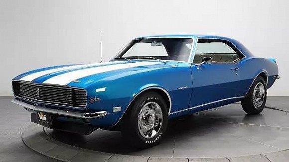 始出现在车头和引擎盖,   搭载V6发动机的Mustang