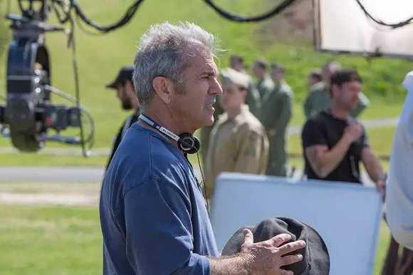 他拍了年度最暴力的电影,梅尔·吉布森强势归来