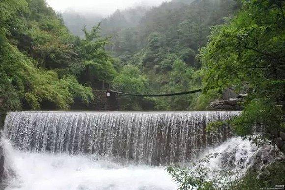 大奇山国家森林公园,位于富春江南岸,距桐庐县城2公里,是一处集江南
