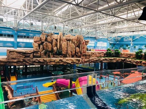 同时,以室内恒温水上乐园为品牌核心载体,在与中国众多主题乐园的竞争中,突出海世界专业运营20年的室内水上乐园特色,抢占中国水上室内乐园第一品牌的全国地位。
