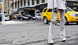 【纽约时报】时尚恋恋不舍1970年代 喇叭裤又成爆款