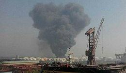 【图集】江苏泰州危化品仓储公司发生火灾 浓烟如蘑菇云