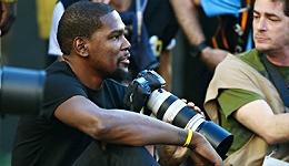 不只是篮球场上FMVP 杜兰特爱摄影还想做音乐