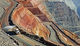 """【工业之美】通向地心的""""高速公路"""" 可取代卡车在露天矿区大角度运送矿石"""