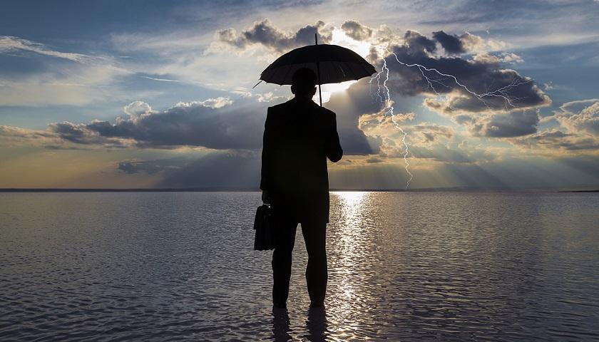 假期保险攻略:有的保险不买不行,有的保险买了也白买