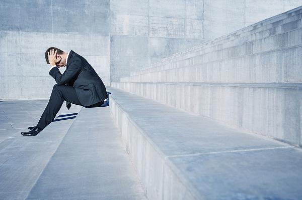 债务高企、股价暴跌 回购股票成了万达信息救命稻草?
