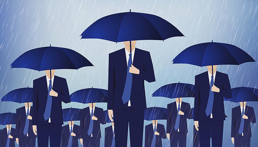 """房企人事动荡频发,职业经理人能否熬过市场""""寒冬""""?"""