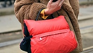 【是日美好事物】可以用来求婚的娇兰镶钻口红,让全身温暖一气呵成的羽绒包包