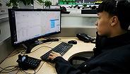 """【图集】""""110""""宣传日 接警员的日常:日均接听电话400次以上"""