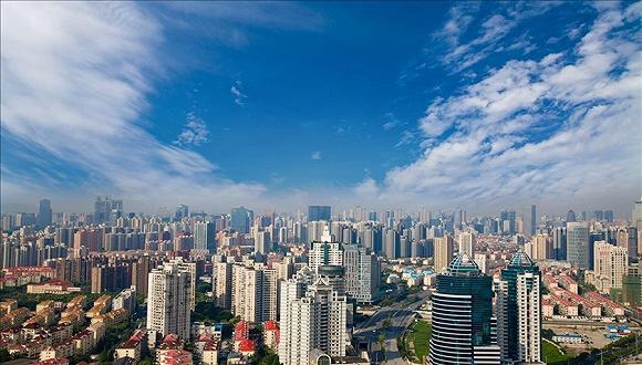惠誉:地产行业展望负面,小规模房企或将面临流动性吃紧