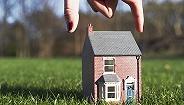 脱欧阴霾笼罩,英国房屋销售预期跌至20年新低
