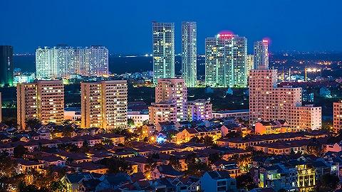 越南房地产市场之变:豪宅价格飙升17%,普通楼盘仅涨1%