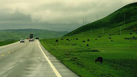 探访藏区天路:汶马高速