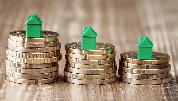 """71家房企近半数净利下滑,机构称今年将是地产""""小年"""""""