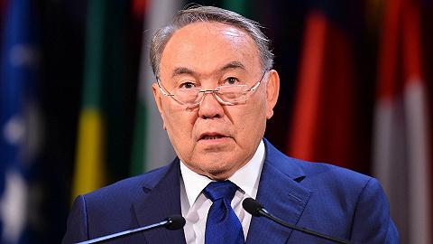 纳扎尔巴耶夫:数十年总统生涯落幕,辞职当天与普京电话约定常联系