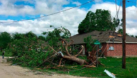 美国南部风暴过后的场景