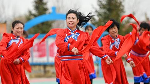 情同一家,守望相助,共奔小康——内蒙古兴安盟巴彦敖包嘎查民族团结见闻