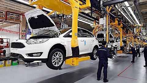 国研中心消费专家:汽车能否放开限购尚不确定,去年负增长拖累全年消费