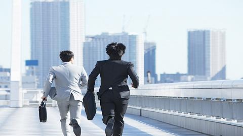 日本中年男性管理层的死亡率高于蓝领,是欧洲的1.5倍