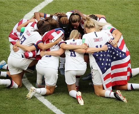 兩球獲勝實至名歸,美國女足擊敗荷蘭衛冕世界杯桂冠