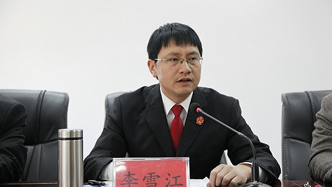 云南大姚县人民法院42岁院长李雪江在公务途中遭遇车祸过世