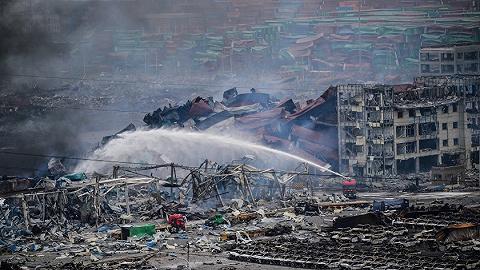 近30年7-9月危化品重特大事故发生18起,精细化工行业事故最多